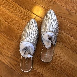 NWOT Jeffrey Campbell Silver Leather Slides